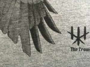 koszulka szara Wiec Wron szczegół