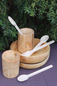 Komplet- naczynia drewniane